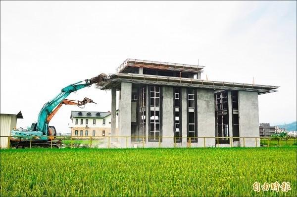 檢察官提醒,未依「區域計畫法」興建農舍,除了有行政罰之外,若未恢復土地原狀,還可能面臨刑罰。(資料照)