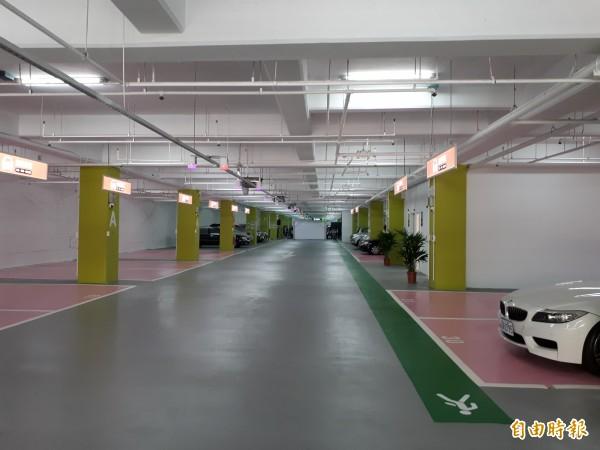 新竹市赤土崎停車場今天改造啟用,是市府啟動9座公有停車場再生計畫,最後第2個完成改造的停車場。(記者洪美秀攝)