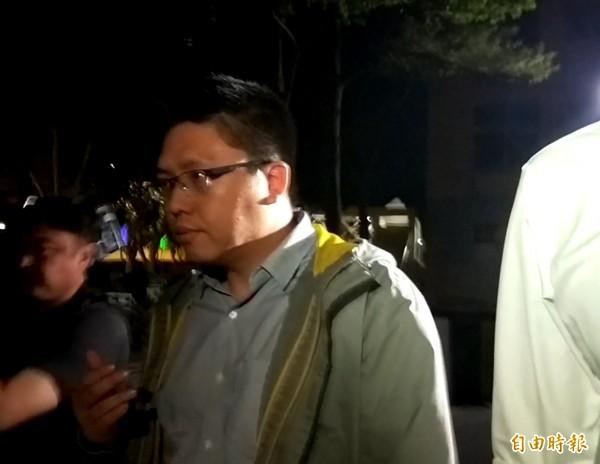 台灣宅經濟商務公司負責人許哲毓訊後以8萬元交保。(記者陳慰慈攝)