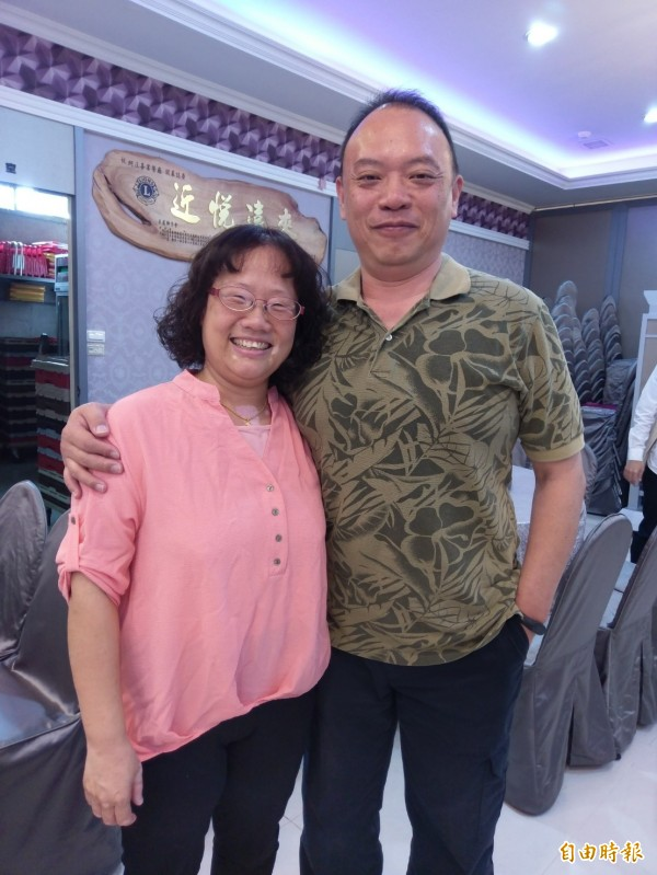 林玉琴(左)獲得特殊貢獻獎,她透露因忙於工作常夜歸,感謝先生支持,讓她可以全力以赴。(記者王善嬿攝)