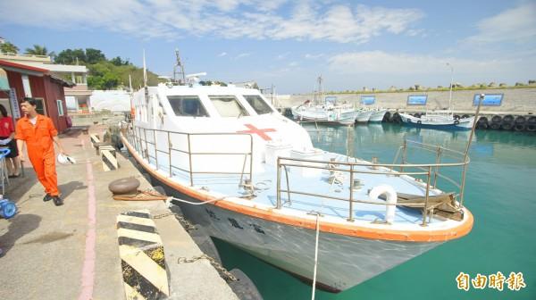 原定慈航輪若在上架,將由富麗號(舊的救護船和安號)運送傷患。(記者陳彥廷攝)