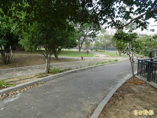 新竹市政府爭取到環保署1.65億元經費,將在公八公園設水質淨水廠,以礫間工程來淨水生活廢污水,打造隆恩圳藍帶景觀工程,預計明年完成。(記者洪美秀攝)