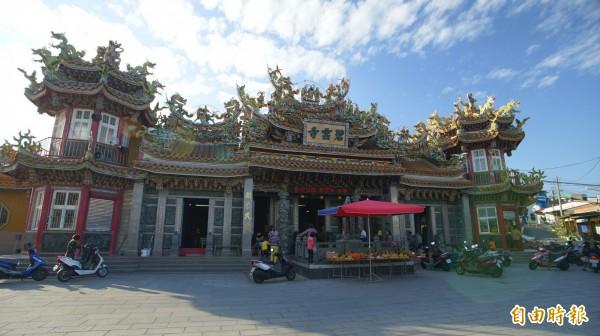 小琉球碧雲寺是地方信仰中心。(記者陳彥廷攝)