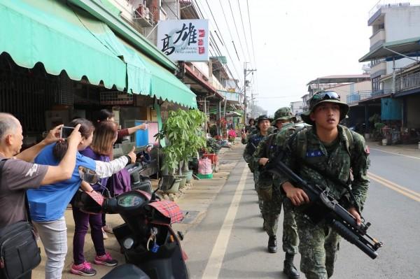 陸軍特戰指揮部特一營自4月10日起,展開為期11天的山隘行軍訓練,全程275公里。(陸軍提供)