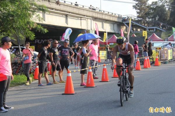 鐵人3項好手張團畯在普悠瑪鐵人賽拿下51.5公里組冠軍。(記者張存薇攝)