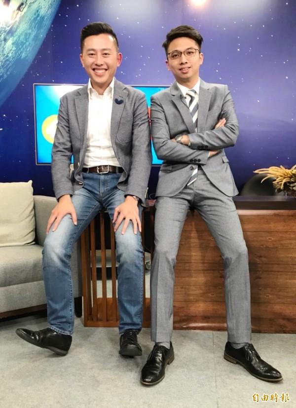 新竹市長林智堅(左)的市長辦公室主任劉康彥(右)獲徵召參選竹市北區市議員。(市府提供)