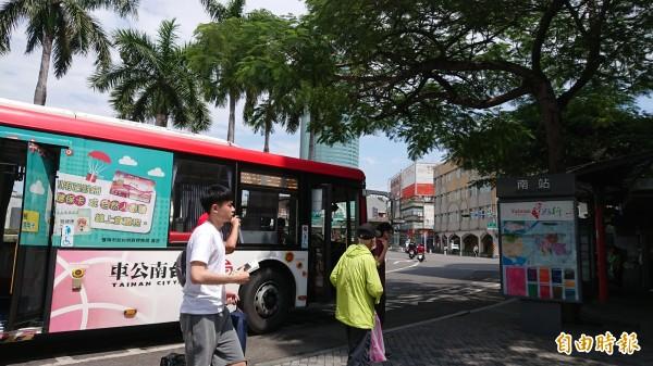 交通局統計大台南公車準點率91%。(記者洪瑞琴攝)