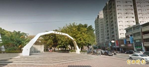 家境差又遇暴力夫,莊女遺棄幼女在台中市逢甲公園前電話亭,今天被起訴。(資料照)