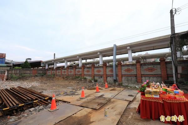 市府將施工興建跨越大甲火車站前後站的人行天橋,方便後站居民進出火車站。(記者歐素美攝)