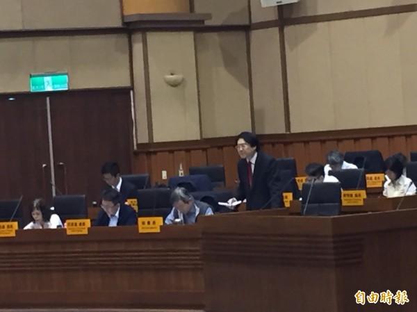 基隆市長林右昌重申,反對任何傷害基隆市的方案。(記者盧賢秀攝)
