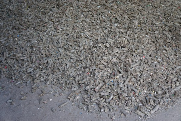 讓廢紙轉變為可當為汽化爐燃料的RDF(廢棄物衍生燃料)。(圖由新竹縣政府提供)