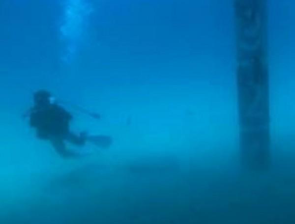 鑽探選在沙地,未設置在珊瑚礁上。(記者蔡宗憲翻攝)