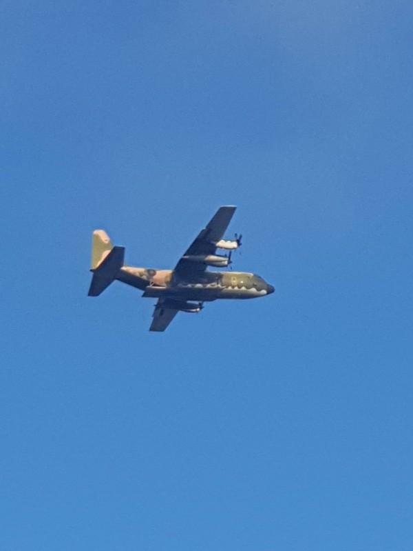 載運傘兵跳傘的C130運輸機。(李志遠提供)