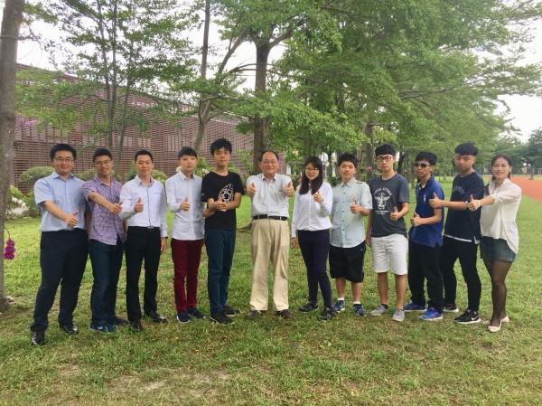台東縣私立育仁中學在大學個申表現亮眼。(記者黃明堂翻攝)