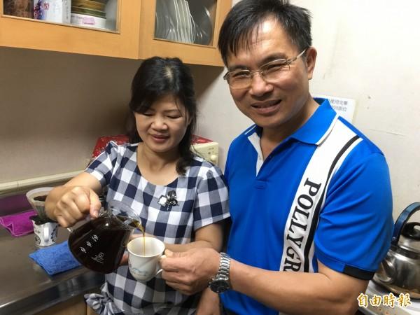 古坑咖啡農郭章盛夫婦自種自焙咖啡豆拿下亞洲第一。(記者林國賢攝)