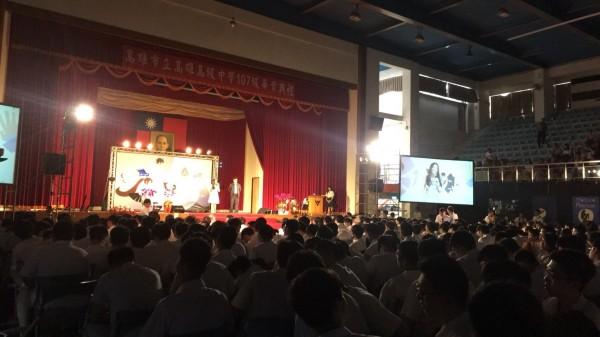 高雄中学今举行毕业典礼。(记者王荣祥翻摄)