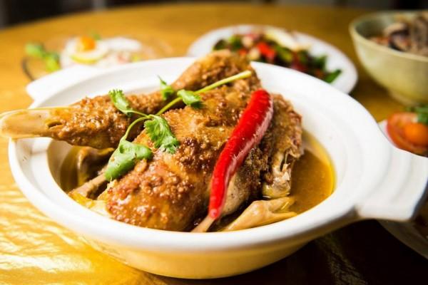 「連記甘味」招牌菜炐鴨。(圖由連記甘味提供)