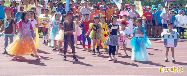 就讀幼兒園是很多年輕家長的沈重負擔,台東縣府允評估對就讀私幼者補助。(記者黃明堂攝)