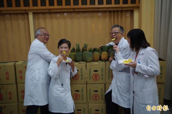 台大雲林分院醫護人員表示,幫助農民沒有任何禁忌。(記者林國賢攝)