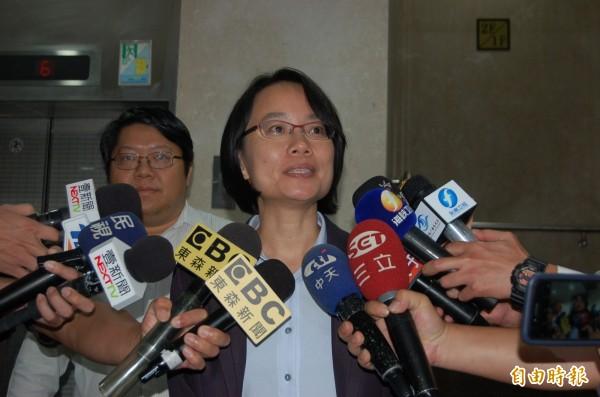 結束北檢長達三小時偵訊,北農總經理吳音寧:已清楚交待,很快可還原事實。(記者楊國文攝)