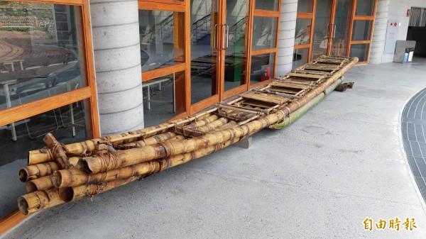 台灣與日本合造的阿美族竹筏「IRA2」號明年將從台灣划向沖繩與那國島。 (記者黃明堂攝)