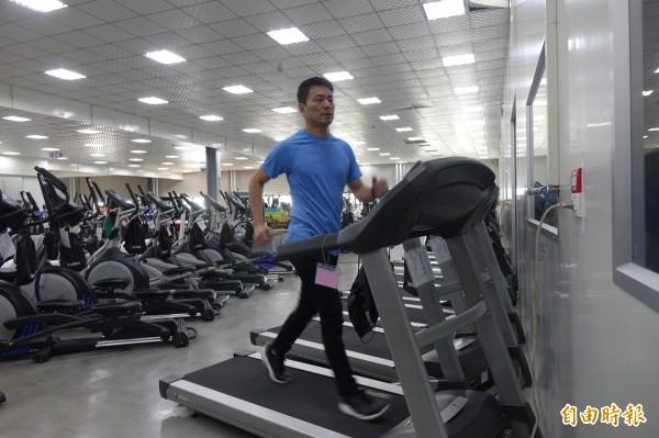 電動跑步機深受國人歡迎。(記者劉曉欣攝)