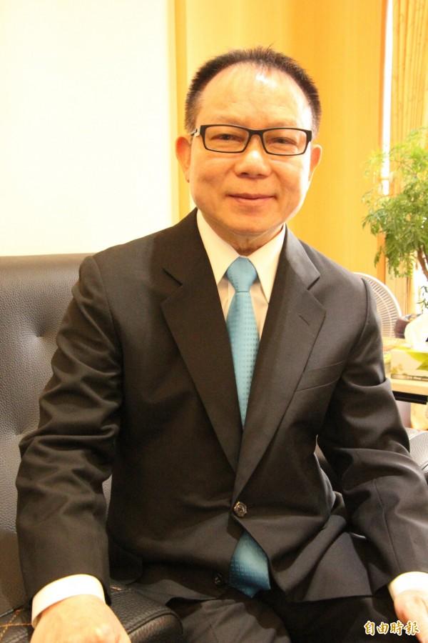 國民黨新竹縣議會議長張鎮榮明天早上將率領黨團議員一起到該黨縣黨部登記爭取連任。(記者黃美珠攝)