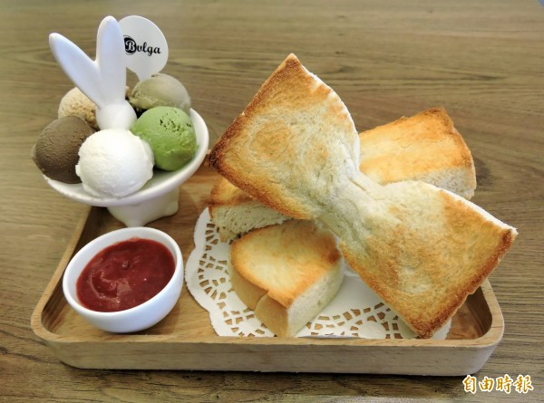 「輕嚐甜蜜組」此被客人暱稱是「小兔子套餐」。(記者張菁雅攝)