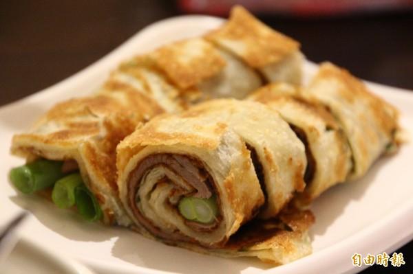 各類捲餅料理是尚豪麵點拿手菜。(記者林宜樟攝)