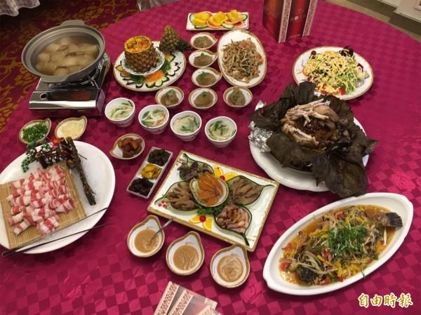 「炒花椰菜乾」原本是招待賓客的菜餚,結果小兵立大功,成為台商返鄉指定點的菜。(記者顏宏駿攝)