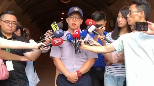 士林警分局交通分隊長黃汝華説明。(記者陳恩惠翻攝)