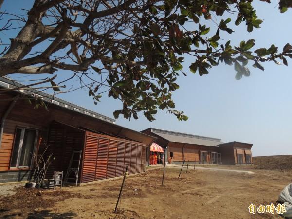 東吉島上有南方四島國家公園管理處駐點,望安鄉長希望管理處接手電力。(記者劉禹慶攝)