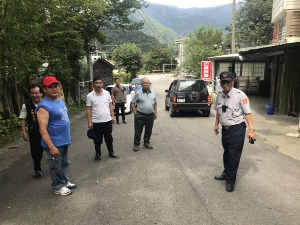 南庄鄉公所及南庄地區警方今下午開始執行山區預防性撤離。(記者鄭名翔翻攝)