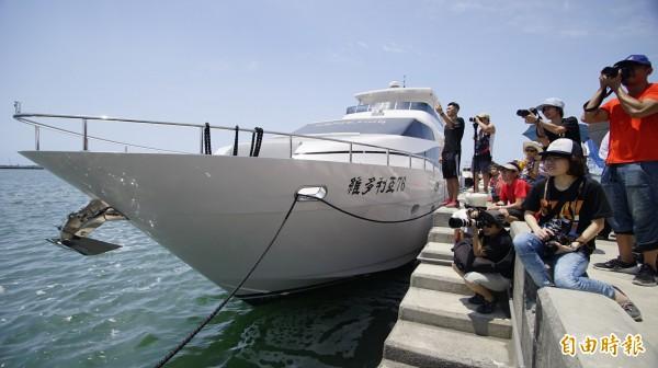 大鵬灣今年4月舉辦「遊艇帆船活動」,加上清明連假,來客數超過10.6萬,創下歷年新高。(記者陳彥廷攝)