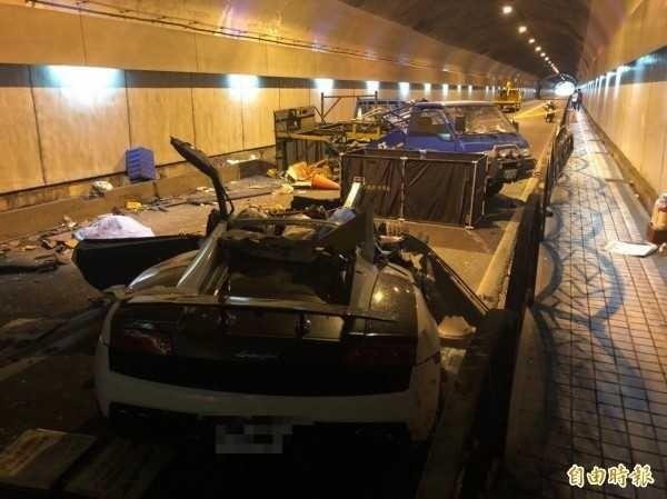 藍寶堅尼撞上工程車造成兩死。(資料照)