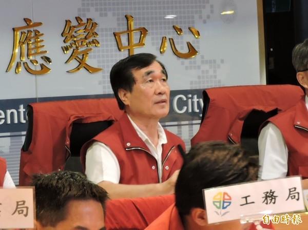 新北市副市長李四川今天表示,市府「以人民生命安全為第一考慮」,決定放颱風假。(記者賴筱桐攝)