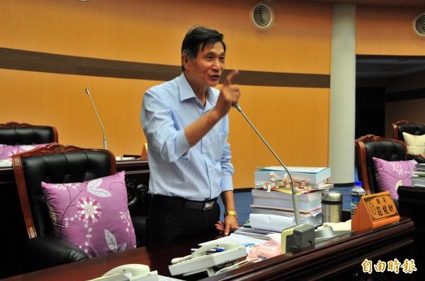 花蓮縣議會第一次把定期會挪到選後才開,被議員莊枝財質疑「對不起選民」。(記者花孟璟攝)