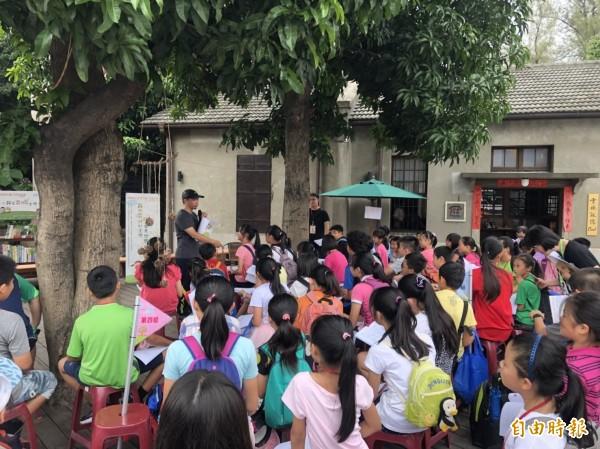 兒童文學創作營今天起在虎尾「雲林記憶Cool」隆重登場,為期3天。(記者廖淑玲攝)