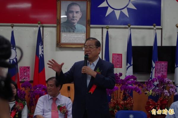 國民黨副主席曾永權抨擊林內焚化廠案是政治操作。(記者林國賢攝)