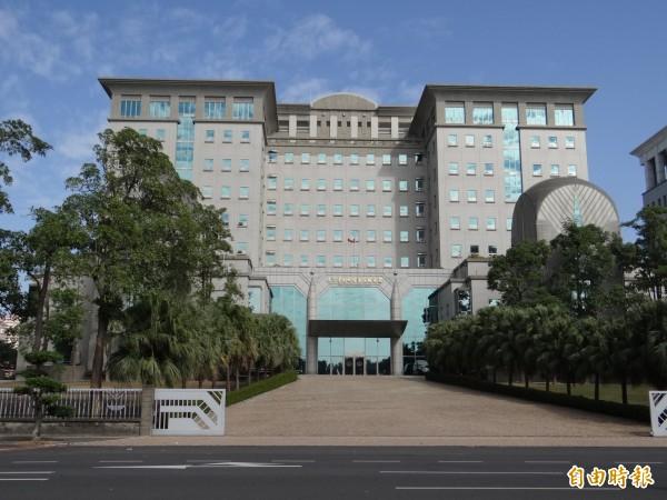 台南地檢署依貪污等罪嫌起訴黃、葉2人。圖為台南地檢署大樓。(資料照)