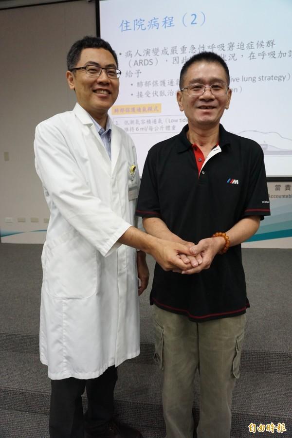 流感併發嚴重肺炎的許先生感謝主治醫師徐國軒與醫療團隊救回一命。(記者蔡淑媛攝)