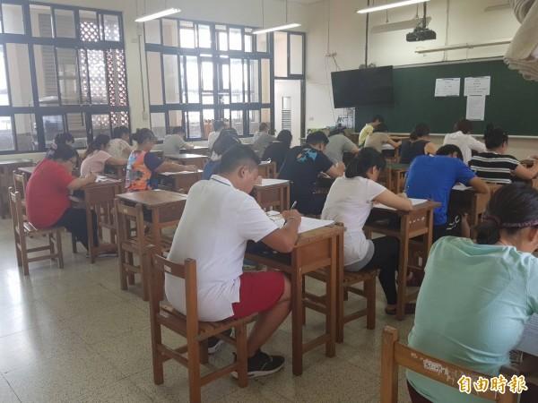 基隆市教甄複試14日登場,考試採口試與試教,預計錄取115人。(資料照,記者俞肇福攝)