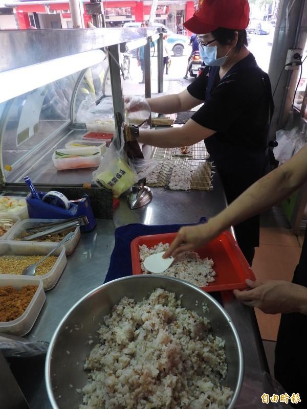 傳香飯糰提供各種健康米飯。(記者方志賢攝)