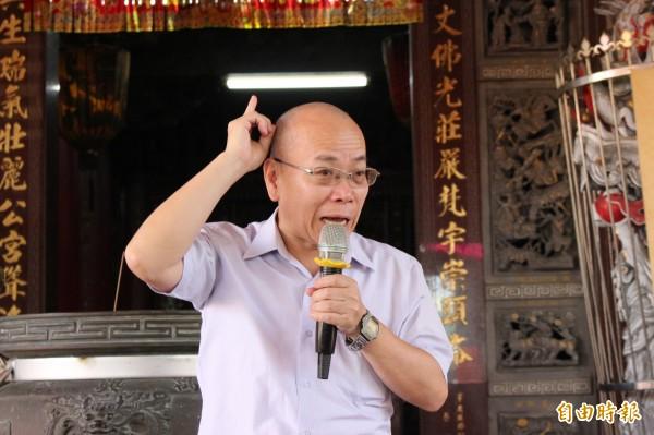 行政院政務委員張景森多次在彰化縣公開場合,重申中央輔導農地違章工廠業者合法化的立場未變。(記者張聰秋攝)