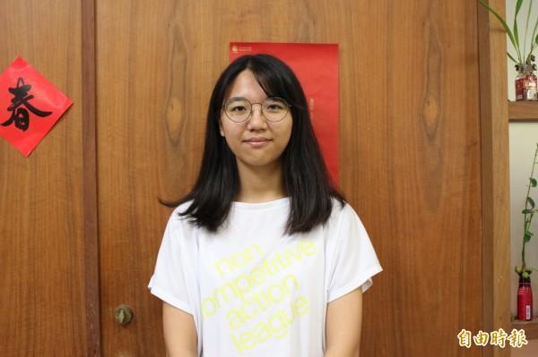 葡萄農家子弟吳奕璇,清秀的臉龐帶健康膚色,充滿鄰家小女孩的高雅氣質。(記者張聰秋攝)