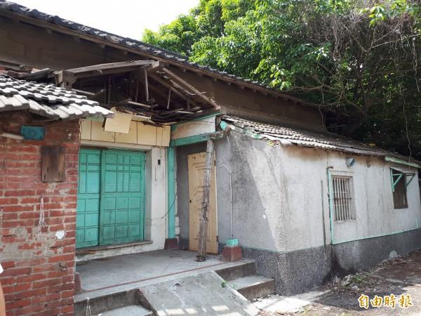 新竹市市定古蹟少年刑務所演武場也獲2840萬元進行修復工程,目前已動工。(記者洪美秀攝)