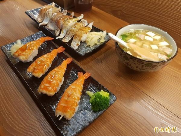 店內各式各樣的日式料理美食,讓人光是看的就垂涎三尺。(記者俞肇福攝)