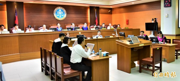 宜蘭地院昨天、今天舉辦模擬法庭,由6名國民法官參與審判。(記者張議晨攝)