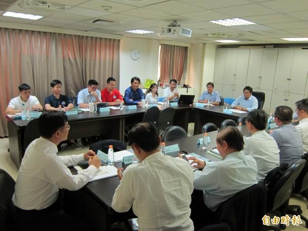 長榮航空協商於下午五點舉行。(記者謝武雄攝)