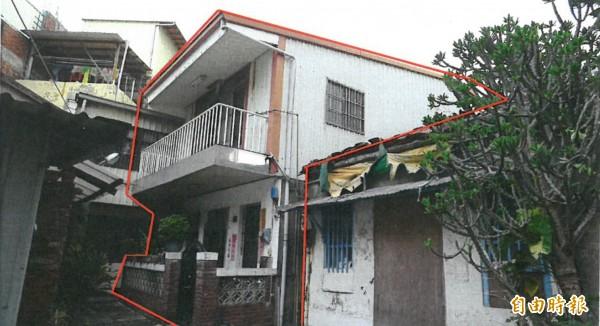 新竹市第二起危險老舊建築重建都更申請案,7月底通過,是位在竹蓮街101巷4戶50多年的老舊房子,透過簡易都更,年底將改建為14層樓高的新大樓,預計後年完工。(記者洪美秀攝)